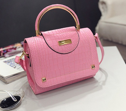 B2114 IDR.159.000 MATERIAL PU SIZE L20XH16XW10CM WEIGHT 550GR COLOR PINK