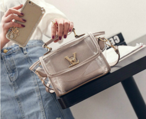 B2166 IDR.152.000 MATERIAL PU SIZE L19XH16XW10CM WEIGHT 600GR COLOR GRAY