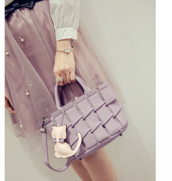 B2202 IDR.163.000 MATERIAL PU SIZE L22XH16XW10CM WEIGHT 600GR COLOR PURPLE
