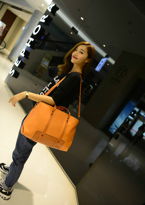B244 IDR.180.000 MATERIAL PU SIZE L42-46CMXH26CMXW13CM WEIGHT 750GR COLOR BROWN