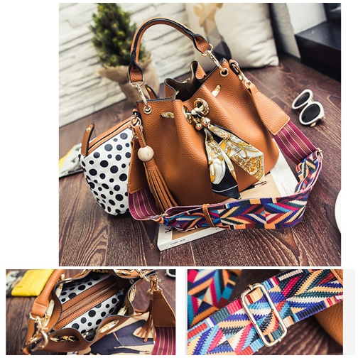 B2456-(2in1) IDR.180.000 MATERIAL PU SIZE L26XH24XW19CM WEIGHT 750GR COLOR BROWN