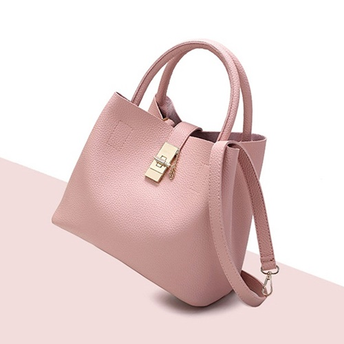 B2520 IDR.166.000 MATERIAL PU SIZE L29XH22XW13CM WEIGHT 600GR COLOR PINK