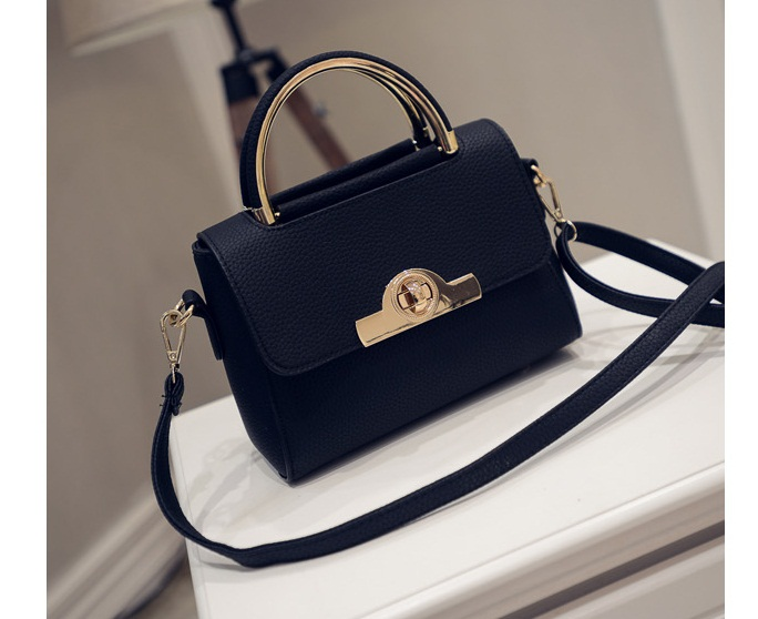 B27004 IDR.169.000 MATERIAL PU SIZE L20XH16XW9CM WEIGHT 700GR COLOR BLACK