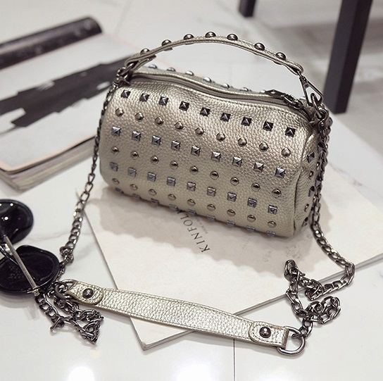 B27139 IDR.145.000 MATERIAL PU SIZE L21XH11XW11CM WEIGHT 500GR COLOR SILVER