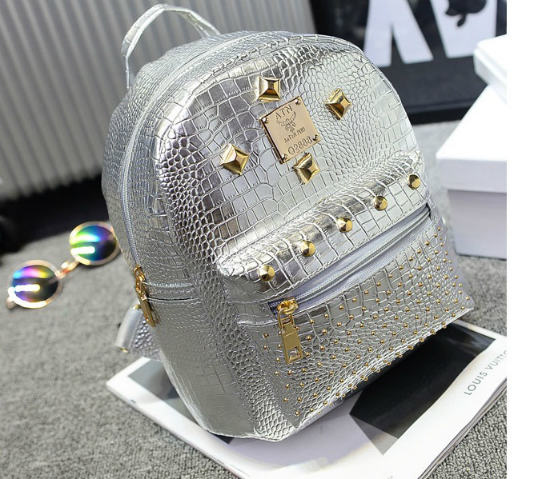 B2718 IDR.142.000 MATERIAL PU SIZE L19XH25XW13CM WEIGHT 500GR COLOR SILVER.jpg