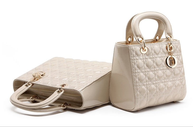 B2727 IDR.159.000 TAS FASHION MATERIAL PU SIZE L25XH20XW12CM WEIGHT 650GR COLOR BEIGE