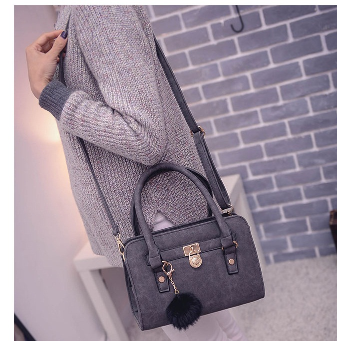 B27555 IDR.157.000 MATERIAL PU SIZE L27XH19XW10CM WEIGHT 700GR COLOR BLACK.jpg
