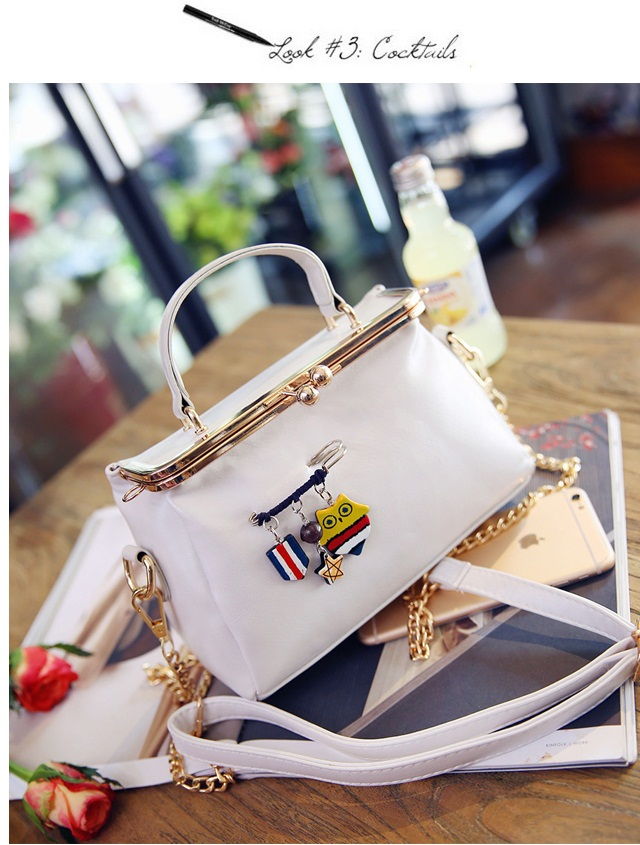 B27625 IDR.172.000 MATERIAL PU SIZE L21XH10XW5CM WEIGHT 600GR COLOR WHITE