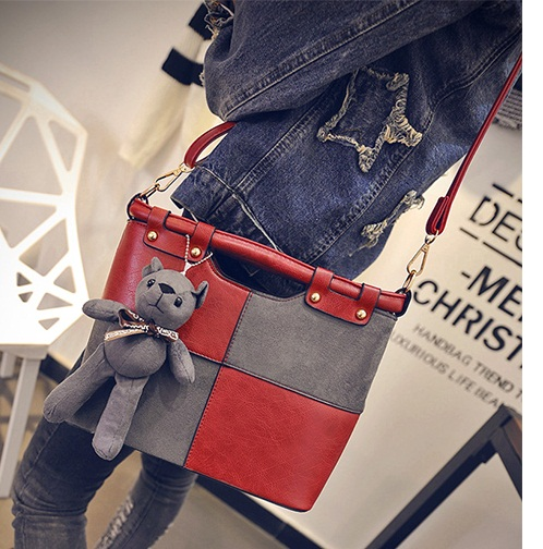 B27913 IDR.187.000 MATERIAL PU SIZE L27XH23XW10CM WEIGHT 800GR COLOR RED
