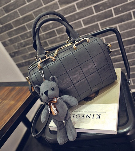 B27920 IDR.199.000 MATERIAL PU SIZE L25XH18XW15CM WEIGHT 800GR COLOR BLACK