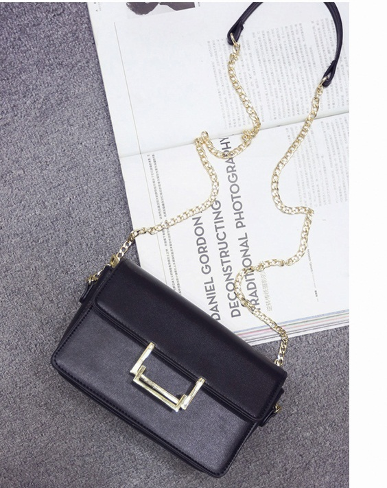 B27939 IDR.167.000 MATERIAL PU SIZE L23XH14XW7CM WEIGHT 600GR COLOR BLACK