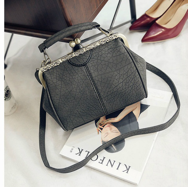 B28312 IDR.155.000 MATERIAL PU SIZE L23XH20XW12CM WEIGHT 550GR COLOR GRAY