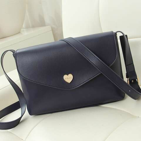 B3029 IDR.130.000 MATERIAL PU SIZE L22XH16XW6CM WEIGHT 400GR COLOR BLACK