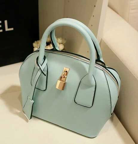 B309 IDR.180.000 MATERIAL PU SIZE L22XH21XW13CM WEIGHT 700GR COLOR GREEN