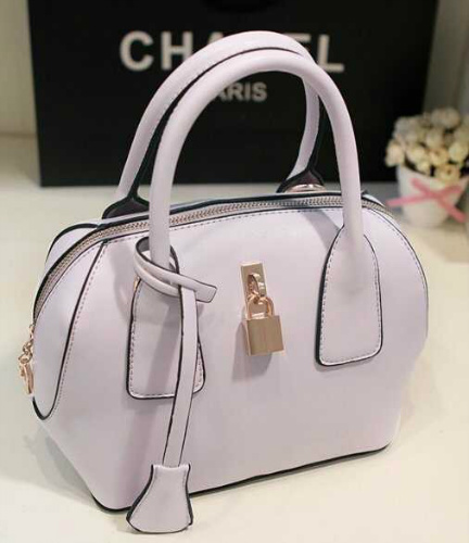 B309 IDR.180.000 MATERIAL PU SIZE L22XH21XW13CM WEIGHT 700GR COLOR PURPLE