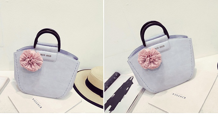 B325 IDR.189.000 MATERIAL PU SIZE L26XH21XW13CM WEIGHT 750GR COLOR PINK