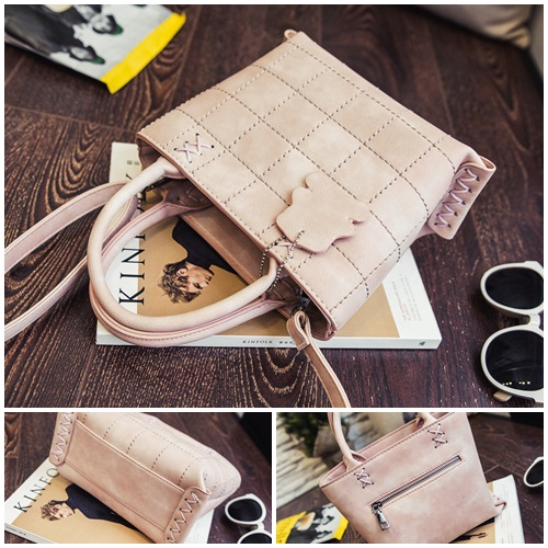B3434 IDR.182.000 MATERIAL PU SIZE L23XH18XW12CM WEIGHT 700GR COLOR PINK