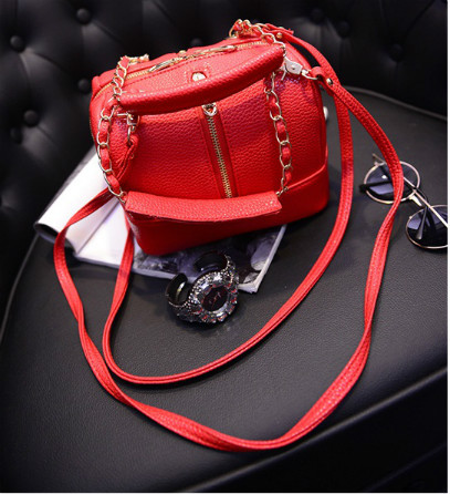 B352 IDR.186.000 MATERIAL PU SIZE L20XH16XW16CM WEIGHT 550GR COLOR RED