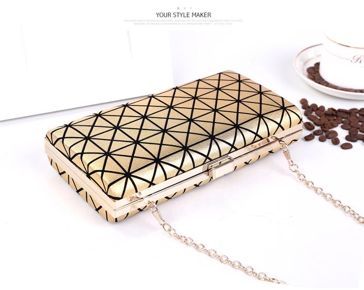 B362 IDR.170.000 MATERIAL PU SIZE L22XH11XW4CM WEIGHT 450GR COLOR GOLD