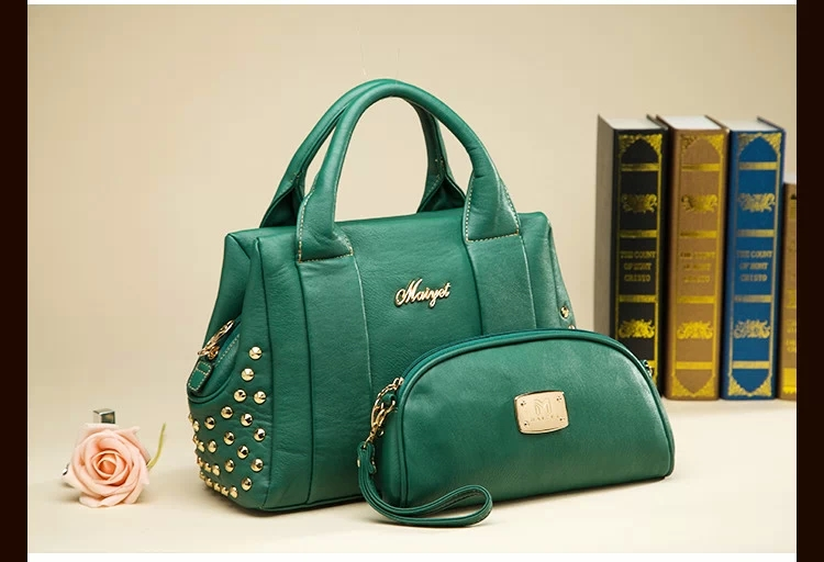 B365 (2in1) IDR.231.000 MATERIAL PU SIZE L32XH23XW13CM WEIGHT 950GR COLOR GREEN