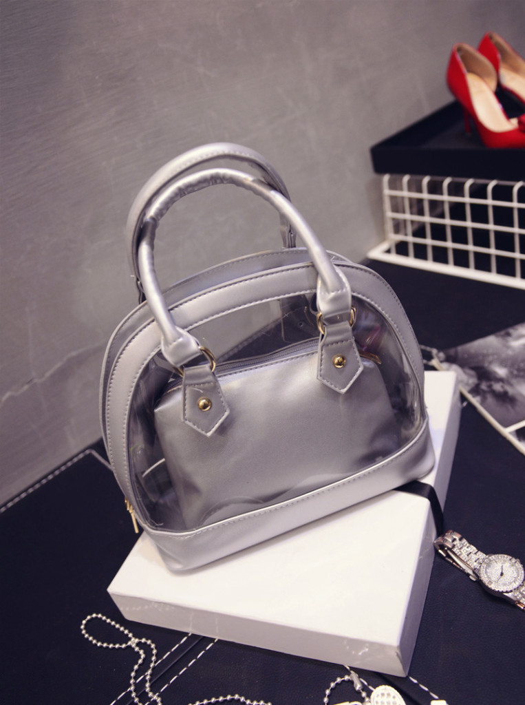 B386 IDR.192.000 MATERIAL PU SIZE L23XH21XW12CM WEIGHT 650GR COLOR SILVER