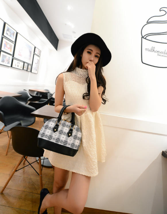 B390 IDR.188.000 MATERIAL PU SIZE L24XH19XW11CM WEIGHT 800GR COLOR BLACK.jpg