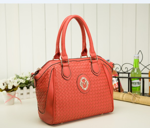 B423(2in1) IDR.225.000 MATERIAL PU SIZE L40XH27XW13CM WEIGHT 950GR COLOR RED
