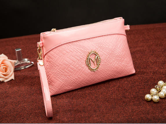 B428 IDR.165.000 MATERIAL PU SIZE L25XH15XW4CM WEIGHT 350GR COLOR PINK.jpg