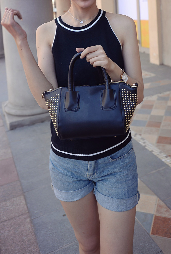 B434 IDR.184.000 MATERIAL PU SIZE L20-30XH15XW10CM WEIGHT 650GR COLOR BLACK
