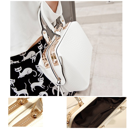 B450 IDR.220.000 MATERIAL PU SIZE L38XH21XW16CM WEIGHT 1200GR COLOR WHITE.jpg