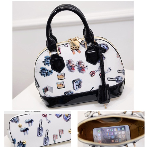 B467 IDR.182.000 MATERIAL PU SIZE L23XH23XW12CM WEIGHT 750GR COLOR BLACK.jpg