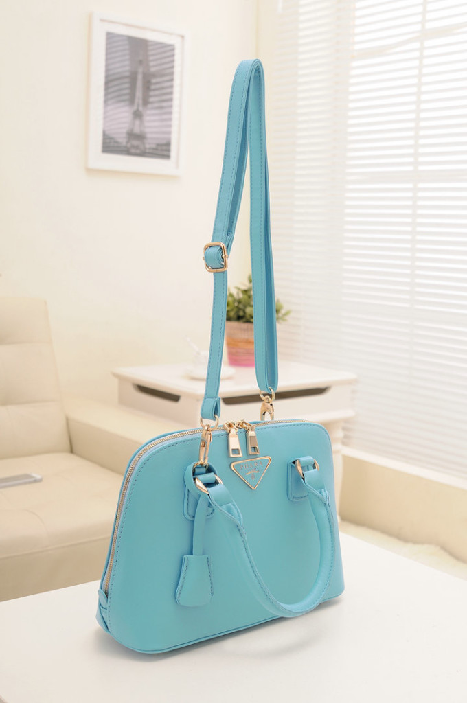 B478 IDR.193.000 MATERIAL PU SIZE L29XH20XW10CM WEIGHT 800GR COLOR BLUE