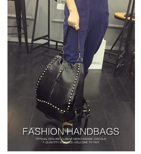 B498 IDR.195.000 MATERIAL PU SIZE L30XH35XW10CM WEIGHT 800GR COLOR BLACK.jpg