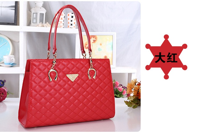 B510 IDR.206.000 MATERIAL PU SIZE L35XH24XW13CM WEIGHT 750GR COLOR RED