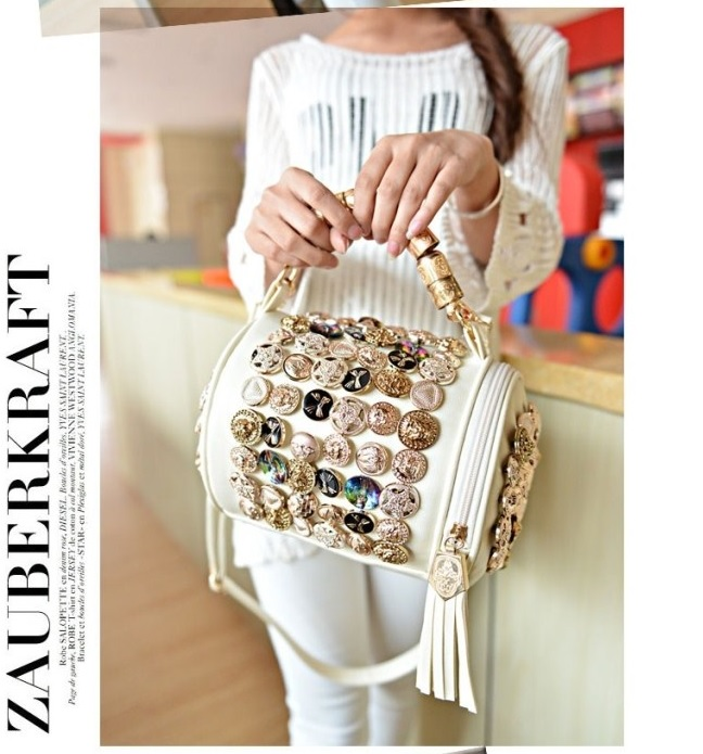 B705 IDR.193.000 MATERIAL PU SIZE L19XH18XW10CM WEIGHT 750GR COLOR BEIGE