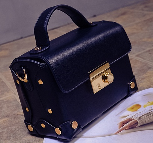 B707 IDR.176.000 MATERIAL PU SIZE L20XH14XW9CM WEIGHT 600GR COLOR BLACK