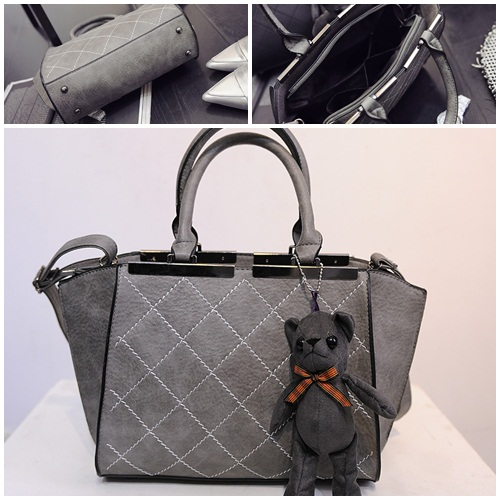 B7097 IDR.190.000 MATERIAL PU SIZE L28-40XH22XW10CM WEIGHT 900GR COLOR GRAY