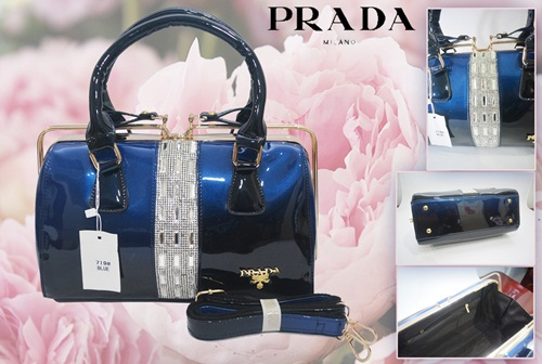 B7190 IDR.255.000 MATERIAL PU SIZE L30XH14XW18CM WEIGHT 1050GR COLOR BLUE