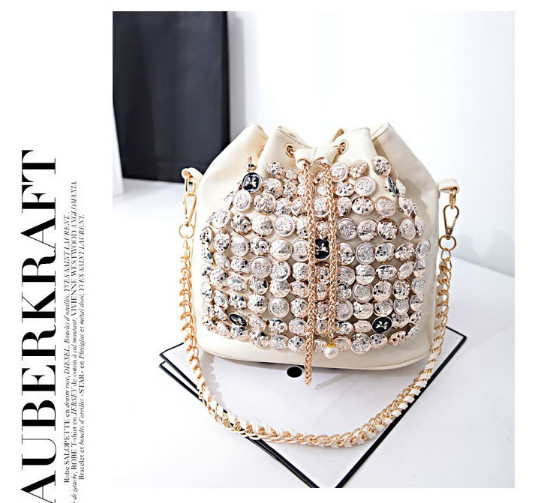B742 IDR.176.000 MATERIAL PU SIZE L26XH27XW15CM WEIGHT 800GR COLOR BEIGE