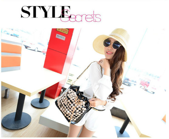 B742 IDR.176.000 MATERIAL PU SIZE L26XH27XW15CM WEIGHT 800GR COLOR BLACK