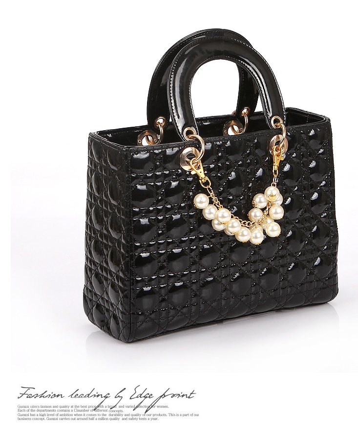 B744 IDR.184.000 MATERIAL PU SIZE L30XH23XW13CM WEIGHT 800GR COLOR BLACK.jpg
