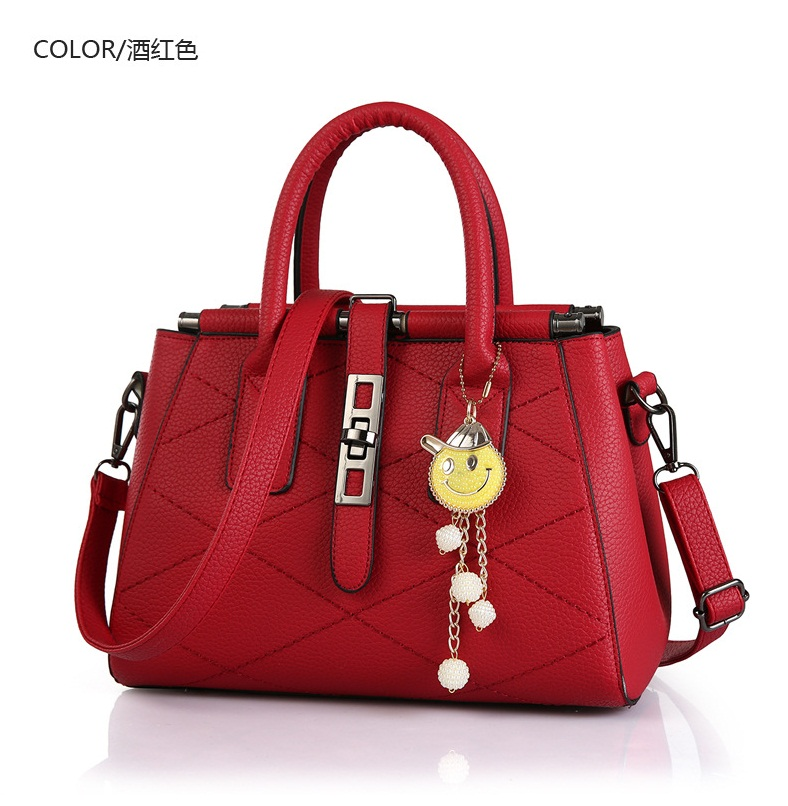 B751 IDR.205.000 MATERIAL PU SIZE L28XH20XW15CM WEIGHT 900GR COLOR RED