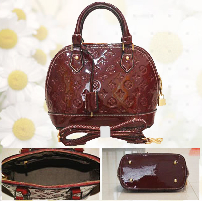 B800 IDR.215.000 MATERIAL PU SIZE L25XH23XW13CM WEIGHT 700GR COLOR RED