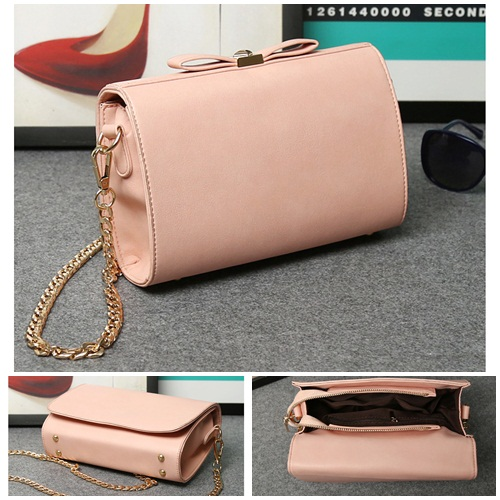 B8008 IDR.159.000 MATERIAL PU SIZE L23XH15XW7CM WEIGHT 700GR COLOR PINK