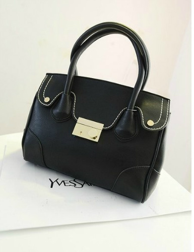 B803 IDR.195.000 MATERIAL PU SIZE L30XH23XW12CM WEIGHT 800GR COLOR BLACK
