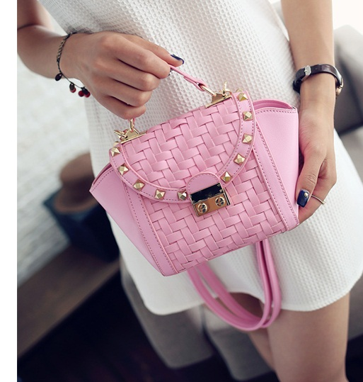 B8035 IDR.172.000 MATERIAL PU SIZE L16XH17XW9CM WEIGHT 600GR COLOR PINK