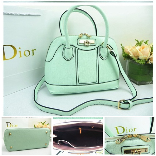 B806 IDR.215.000 MATERIAL PU SIZE L28XH22XW14CM WEIGHT 700GR COLOR GREEN