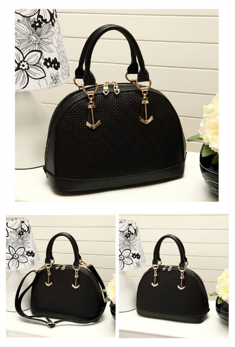 B8292 IDR.210.000 MATERIAL PU SIZE L25XH22XW14CM WEIGHT 710GR COLOR BLACK