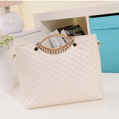 B8358 IDR.18O.OOO MATERIAL PU SIZE L34XH29XW11CM WEIGHT 750GR COLOR BLACK,WHITE (1)