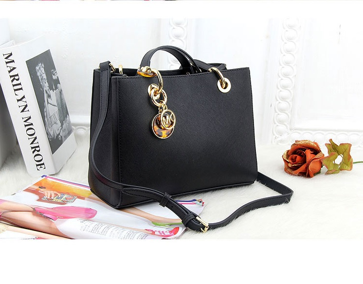 B8390-IDR.239.000-MATERIAL-PU-SIZE-L24XH19XW8CM-WEIGHT-800GR-COLOR-BLACK.jpg